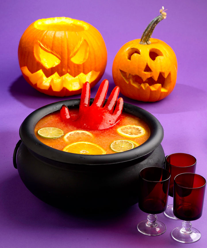 Scarin up treats for halloween sweetpaprika for Halloween punch recipes with vodka