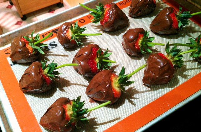 strawberries setting up